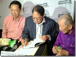 Angara Launches His Biography Book