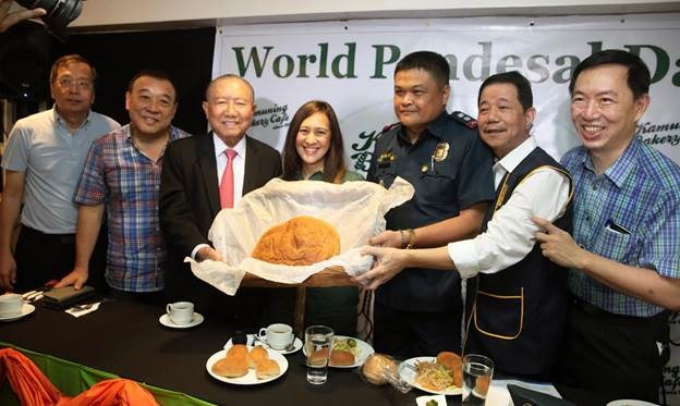"""World Pandesal Day"" at Kamuning Bakery Café"