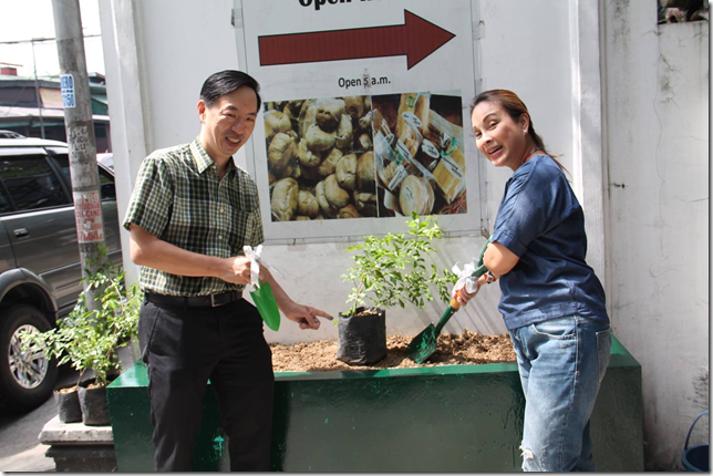"World Environment Day marked by Senator Loren Legarda with tree planting in Q.C., decries U.S. withdrawal from Paris agreement & says Phil should seek ""climate justice"""