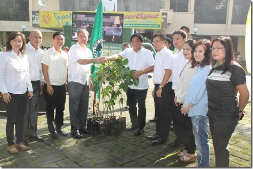 DA turns over indigenous, fruit-bearing trees to Marikina to help deter flooding