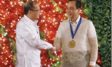 P-Noy honors former DA chief, 32 others as outstanding overseas Filipinos